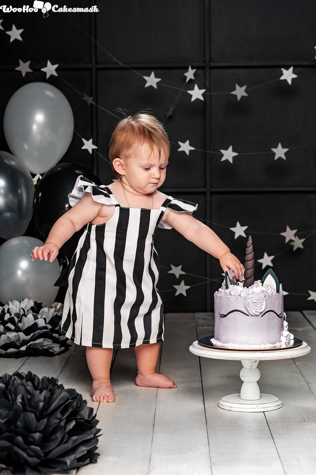 woohoo_cakesmash_Eva_black_and_white_3