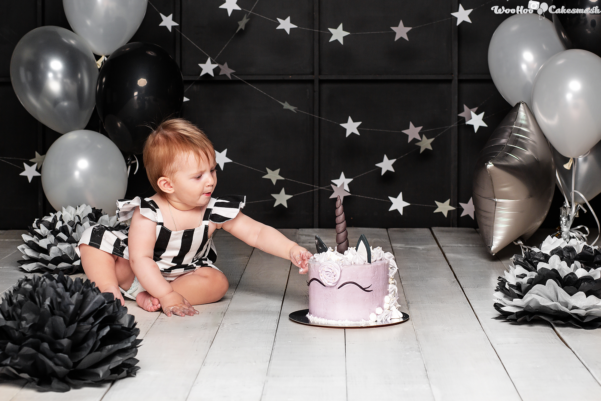 woohoo_cakesmash_Eva_black_and_white_4