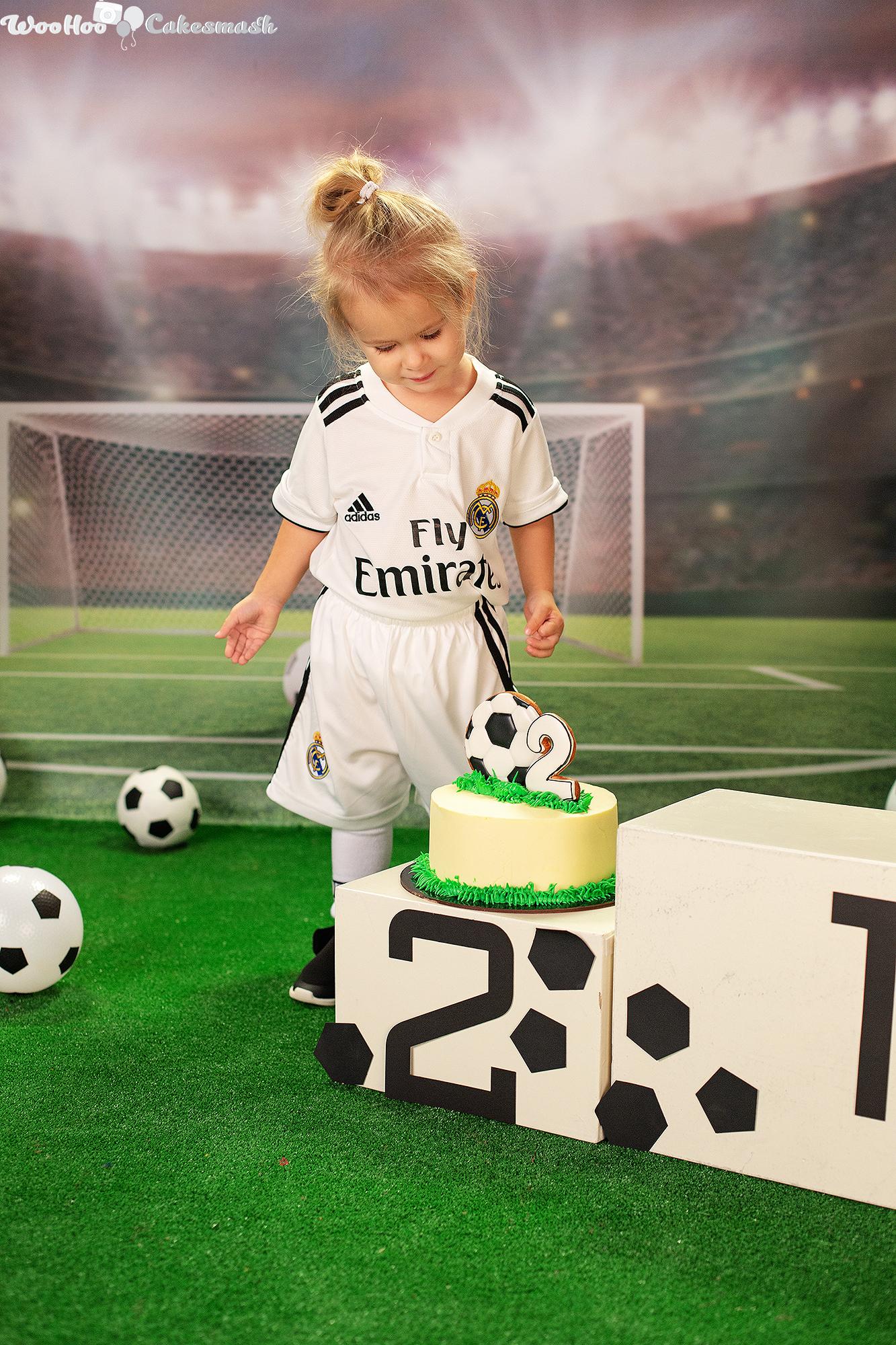 woohoo_cakesmash_Katya_football_girl_6