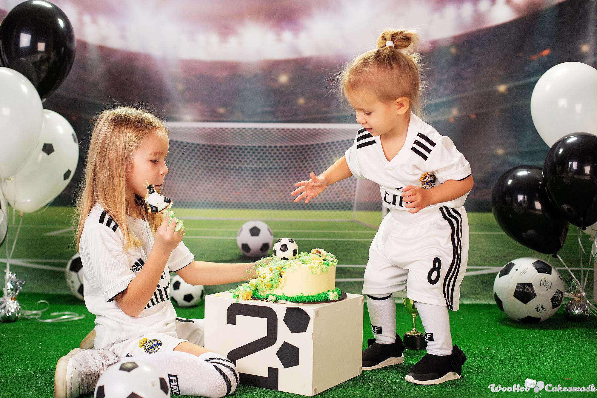 woohoo_cakesmash_Katya_football_girl_9