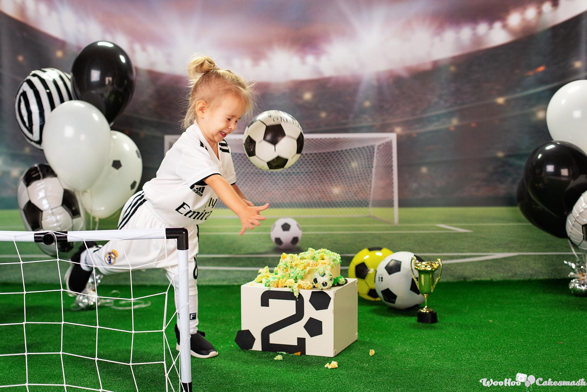 woohoo_cakesmash_Katya_football_girl_10