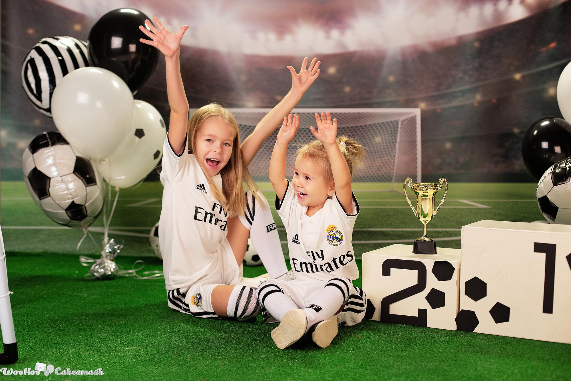 woohoo_cakesmash_Katya_football_girl_4