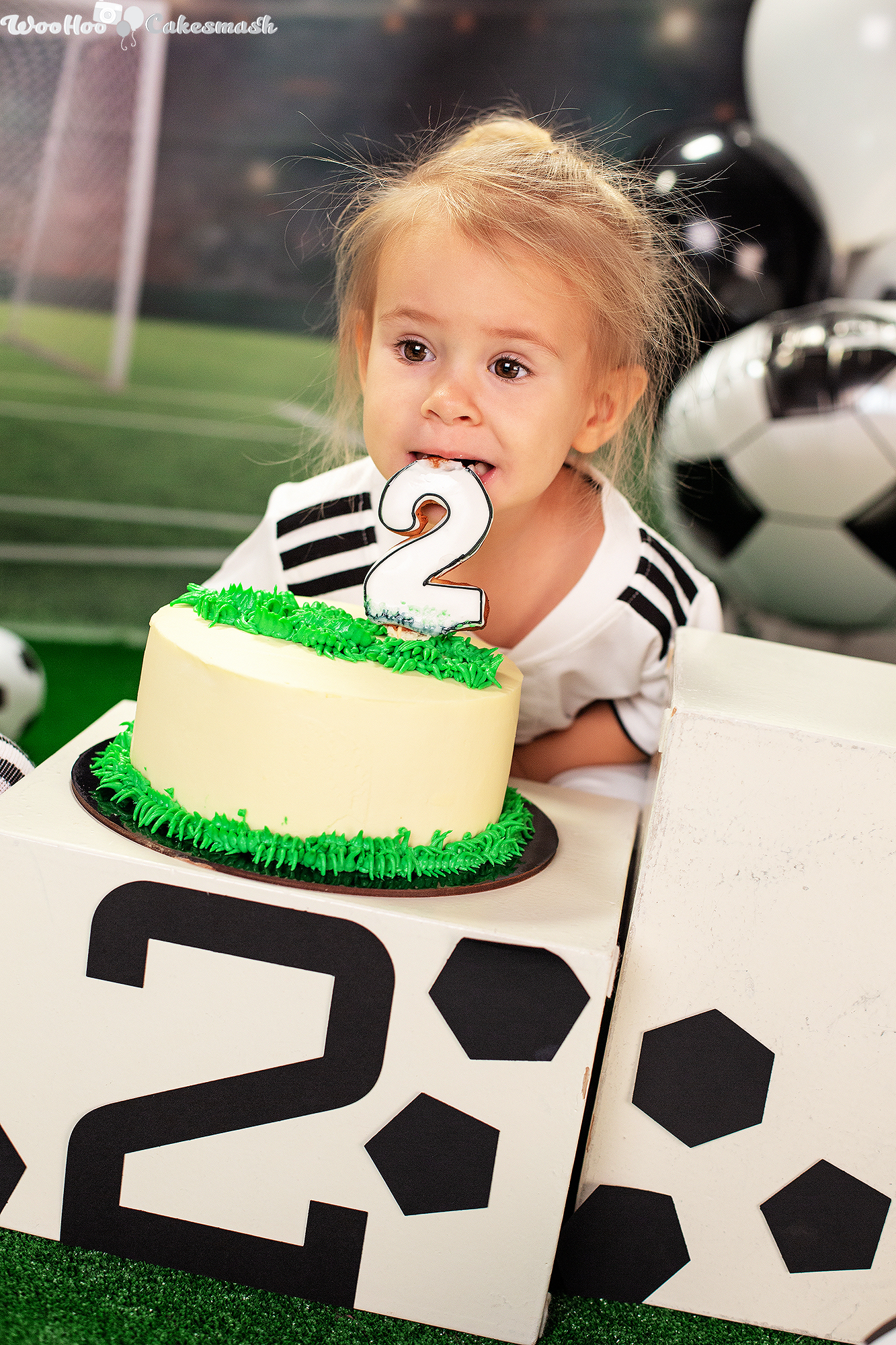 woohoo_cakesmash_Katya_football_girl_7