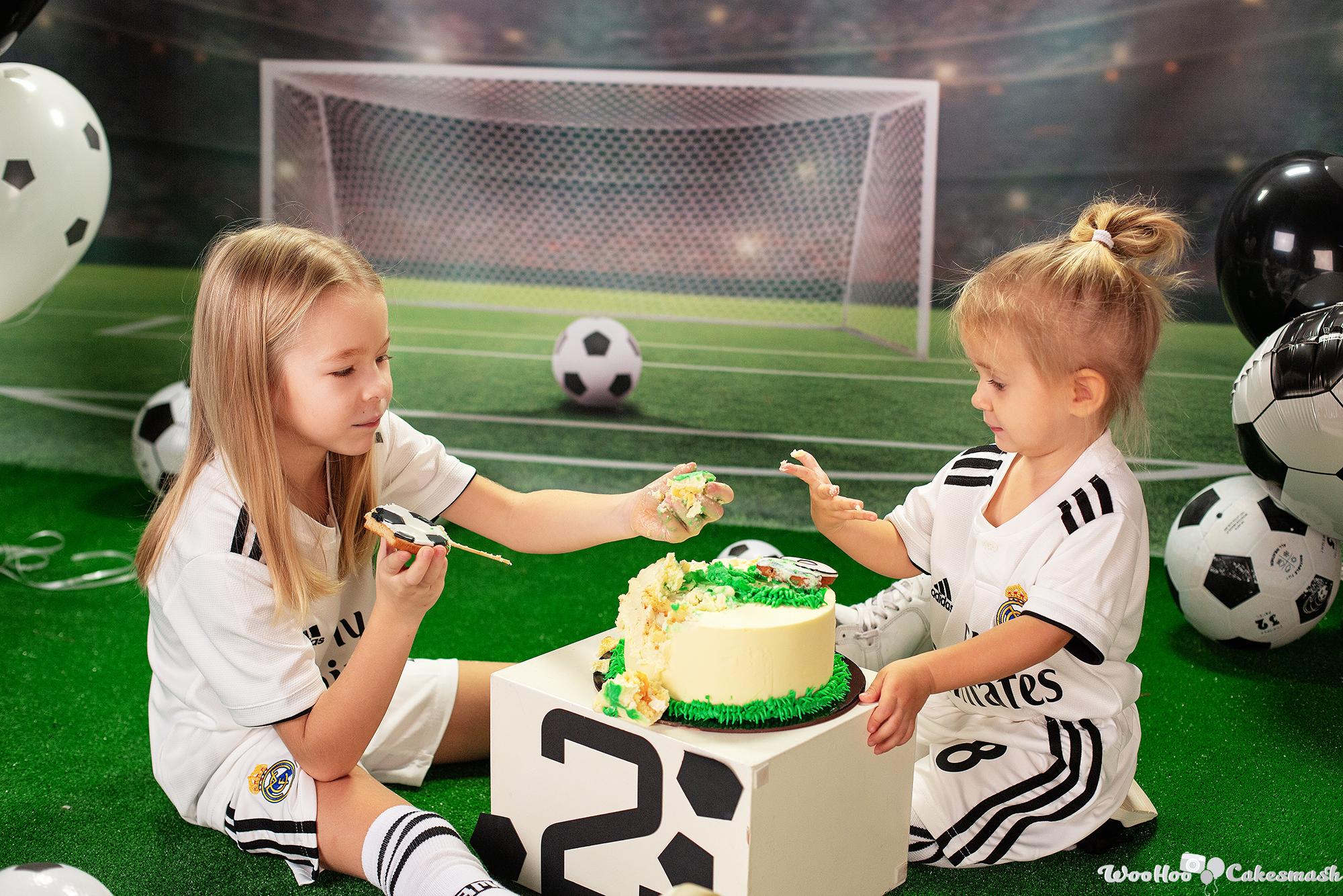 woohoo_cakesmash_Katya_football_girl_8